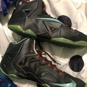 Other - Nike lebron 11